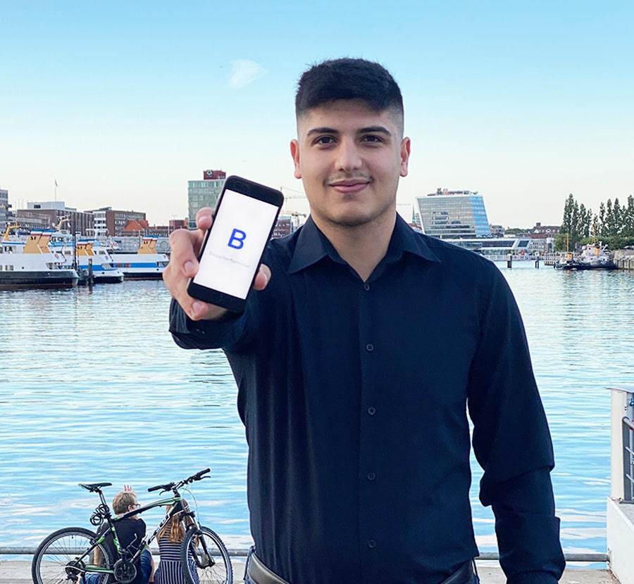 Ajuan Hassan Entwickler von Besucherformular